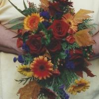 fall.bridal.blossoms&balloons