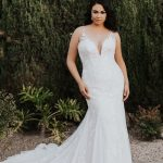How To Pick The Best Plus Size Wedding Dress - 4 Tips From An Expert